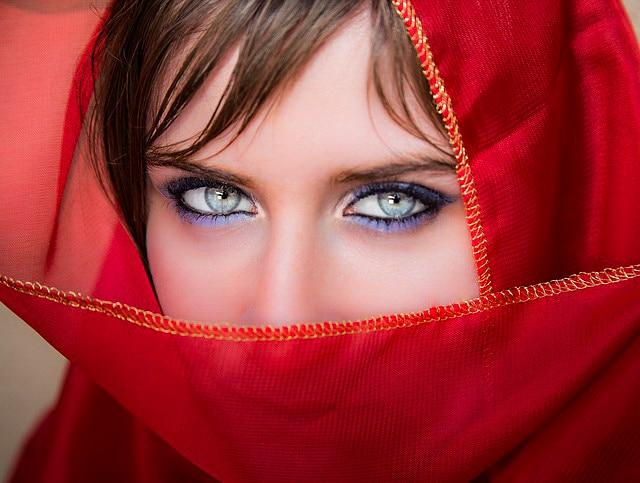 maquillage des yeux bleus fais briller tes d licieux. Black Bedroom Furniture Sets. Home Design Ideas