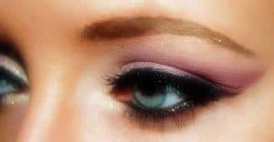 maquillage-des-yeux-bleus